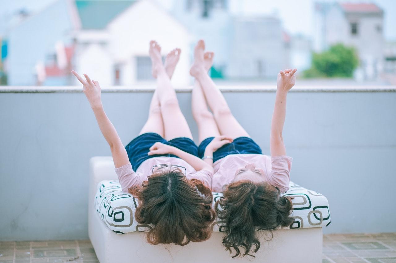 ポジティブでいることに疲れた人へ〜ポジティブ思考が逆効果である5つの理由とその対処法〜