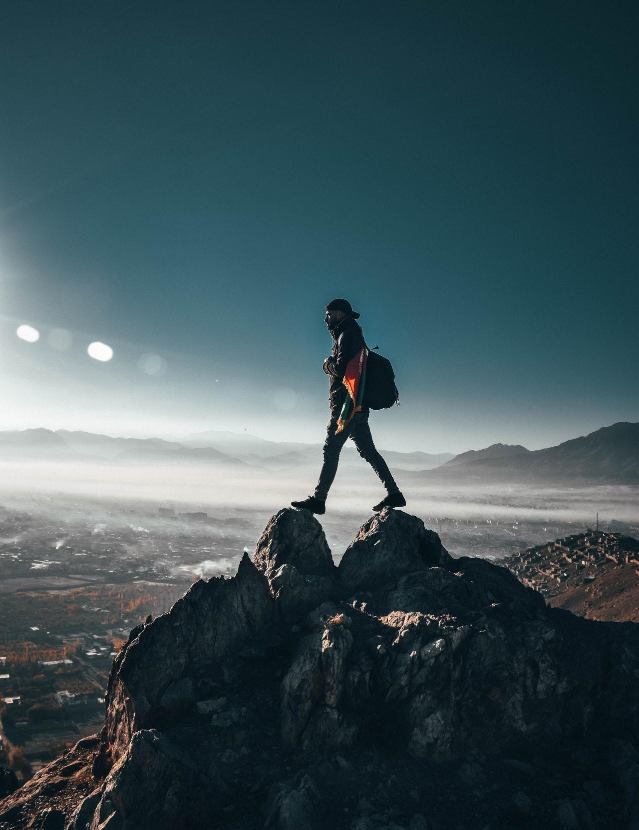登山の膝痛克服体験から得た悟りへの教訓